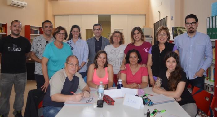 Fernando Muñoz con los alumnos y profesores