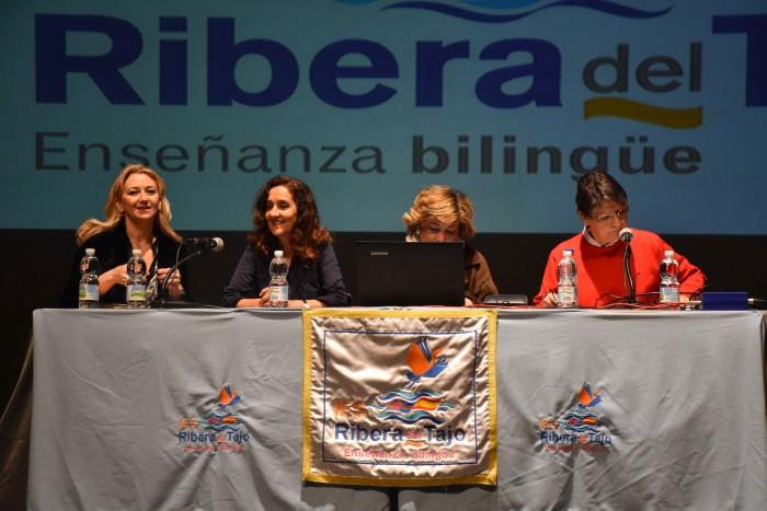 Momento de la inauguración en el teatro Palenque de Talavera