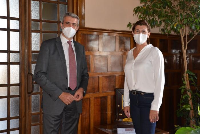 Álvaro Gutiérrez y María José Ruiz, alcaldesa de Yeles