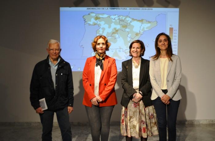 Flora Bellón con Paloma Castro y miembros AEMET