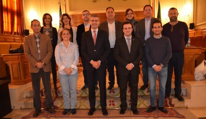 Álvaro Gutiérrez con todo su equipo de gobierno