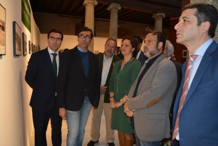 María Ángeles García visita la exposición