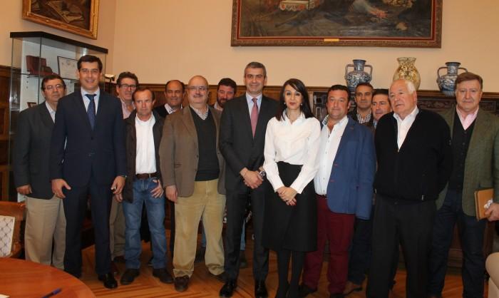 Foto de archivo convenio entre la Diputación de Toledo y la Lonja Agropecuaria de la provincia