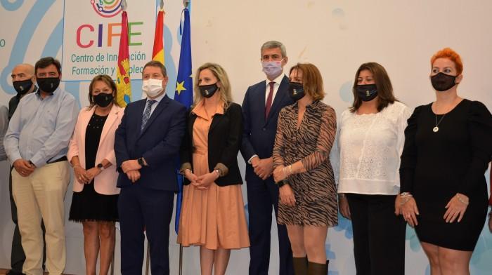 Álvaro Gutiérrez y Emiliano García-Pagela  con Silvia Fernández y concejales y concejalas de Seseña
