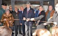 Álvaro Gutiérrez inaugurando el nuevo edificio multiusos de Paredes de Escalona
