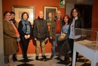 Ana Gómez con los nietos del artista