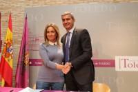 Álvaro Gutiérrez y Milagros Tolón tras la firma del convenio Cultural Toledo 2017