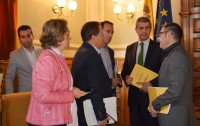 Álvaro Gutiérrez y vicepresidentes al finalizar el pleno